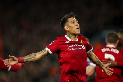 Ylli i Liverpoolit, puthje pasiononte para Champions League