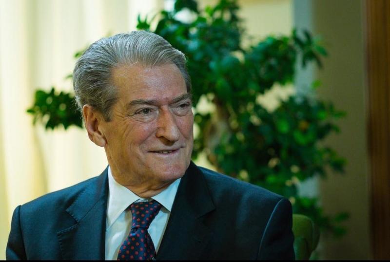'Shqipëria po bëhet narkoshtet'/ Ish-kryeministri për artikullin në median italiane: Damkosës dhe tronditës