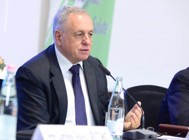 Tritan Shehu/Takimi me i rendesishem i Ministrit te Jashtem te Greqise ishte ai me Bashen, kryeministrin e mbas 25 prillit.