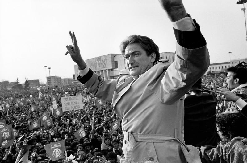 22 Marsi i vitit 1992 dhe quantum leap-i shqiptar! – Nga Sali Berisha