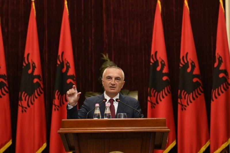 """""""Kush e ndjen vetën puçist është i alertuar"""", Presidenti Meta pas mesazhit të ambasadës amerikane në Tiranë: Më 2 mars do vijnë qindra shqiptaro- amerikane"""