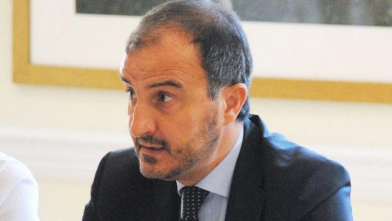Ambasadori i BE-së: Palët të ulen në negociata për zgjidhjen e krizës