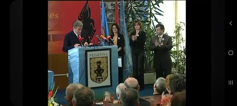 Berisha: Përshëndetje të përzemërta miq me këtë VIDEO! Rroftë Kosova!