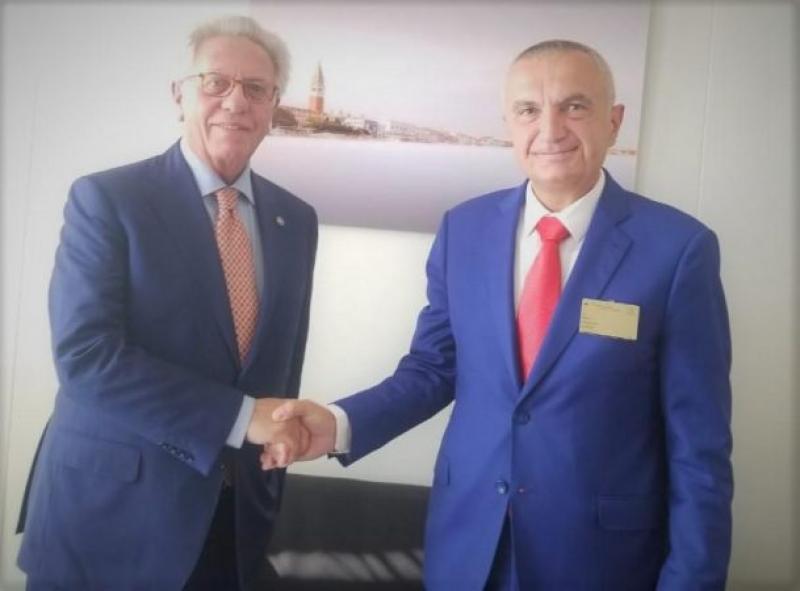 """""""Bashkëpunim për cdo paqartësi"""" Meta i dorëzon raportin Presidentit të Komisionit të Venecias"""