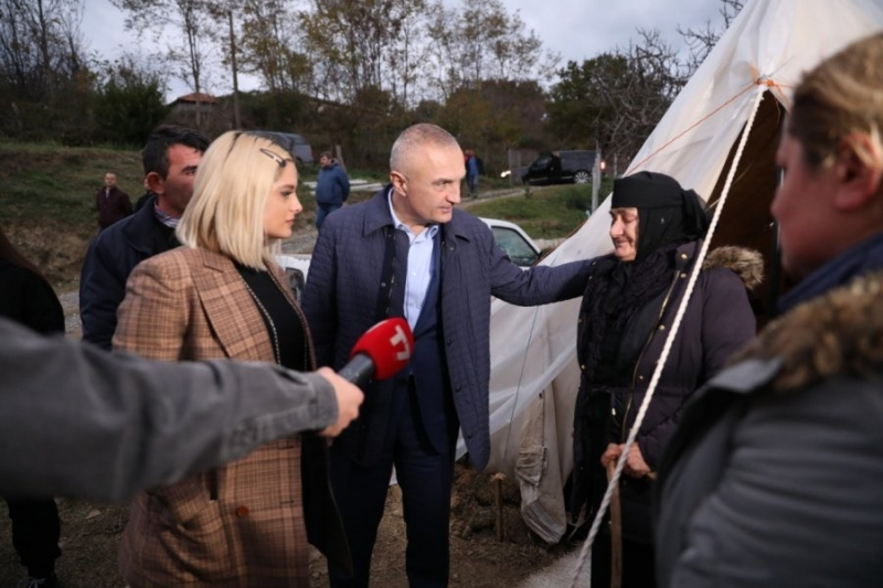 Kryemadhi zbardh skandalin: Bebe Rexhës nuk i japin leje për rindërtimin e 2 shtëpive në Bubq dhe Bizë