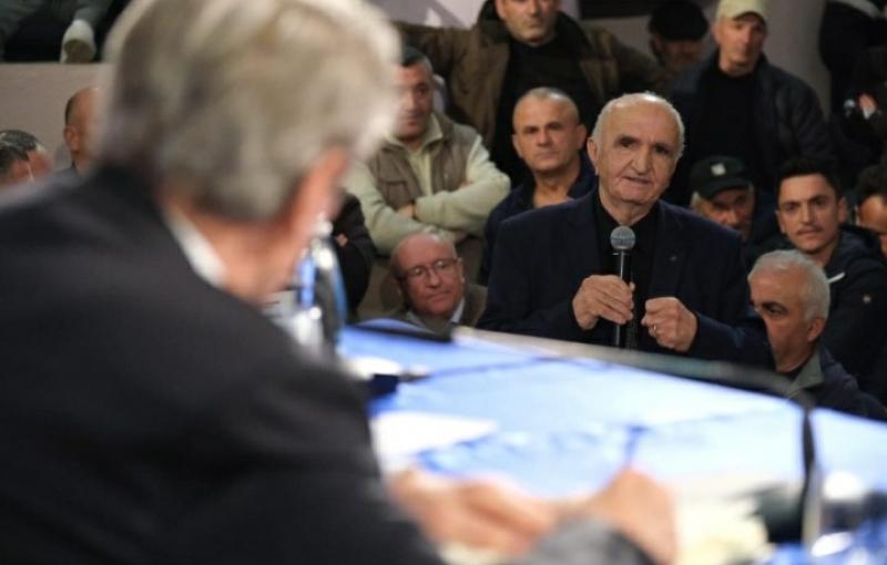 Dibranët i kërkojnë Berishës t'i udhëheqë/ Berisha: Do 'votojmë' me protesta masive