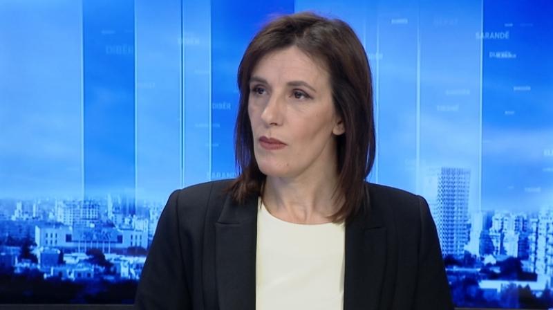 """Vrasja e bosit të drogës në Tiranë/ """"Do hapte thesin me para""""- Klodiana Lala: Biznesmeni ishte i përfshirë në fushatë elektorale në zonën e…"""