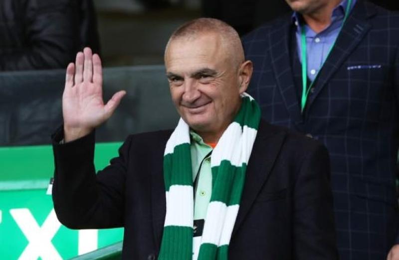 Presidenti Meta në stadiumin e klubit të zemrës, shijon nga pranë sfidën ndaj Uzunit