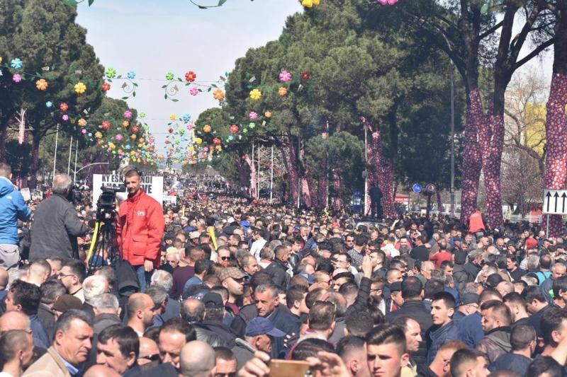 Opozita sërish protestë më 13 Prill, nuk ndalen ato gjatë seancave plenare