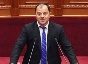 Lefter Maliqi:Rama bën autogolin rilindas me Presidentin