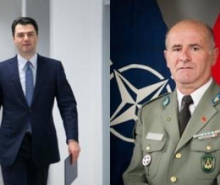 """Gjeneral * Piro AHMETAJ: """"Kryeministri në ikje dorovit për 1 €, Bazën Ushtarake Detare të Sarandës"""""""