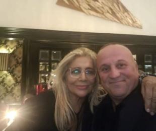 Ilir Kulla te darka e ditëlindjes së yllit mediatik italian, Mara Venier.Në darkë edhe Carrisi, Parieti, Marcuzzi dhe Ferrili
