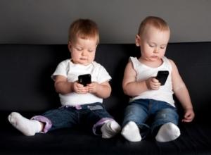 Pajisjet elektronike po shkaktojnë probleme të shëndetit mendor te 2-vjeçarët